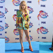 Celebridades brillaron con estos outfits en los Teen Choice Awards