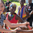 Meghan Markle y Harry se vuelven viral con divertido baile en África [VIDEO]