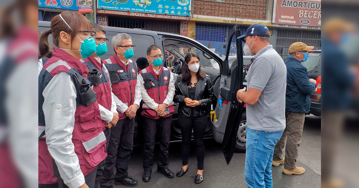 Médicos de China con George Forsyth evaluaron calles de La Victoria y dan alarmante veredicto por ambulantes. (Foto: Captura/ATV Noticias)