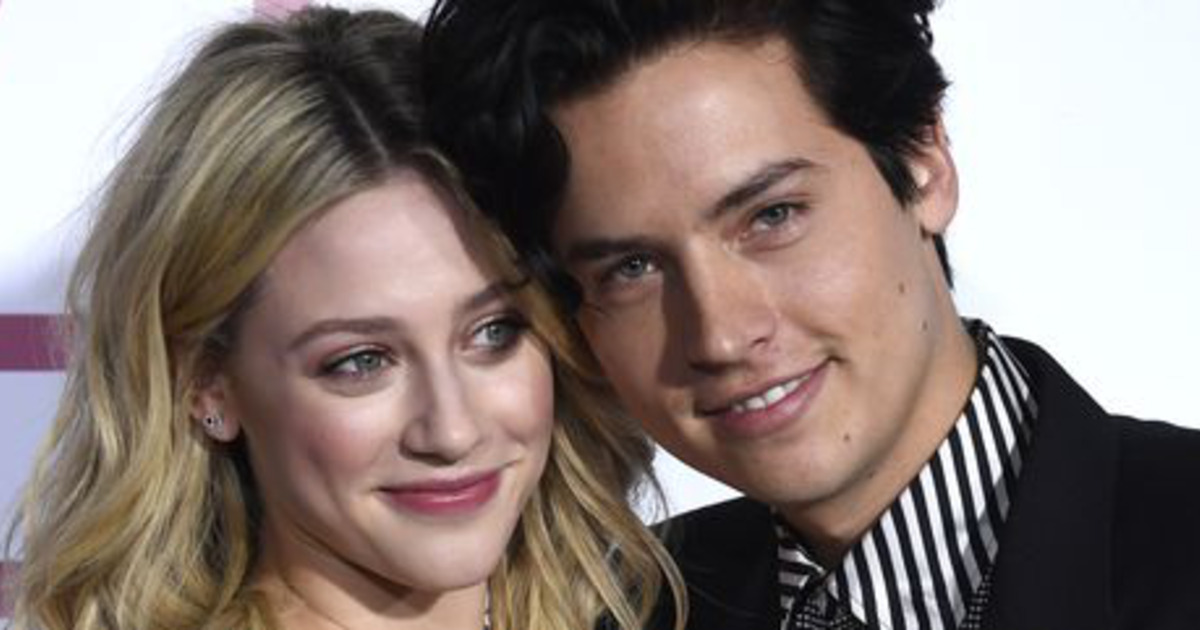 Cole Sprouse y Lili Reinhart.