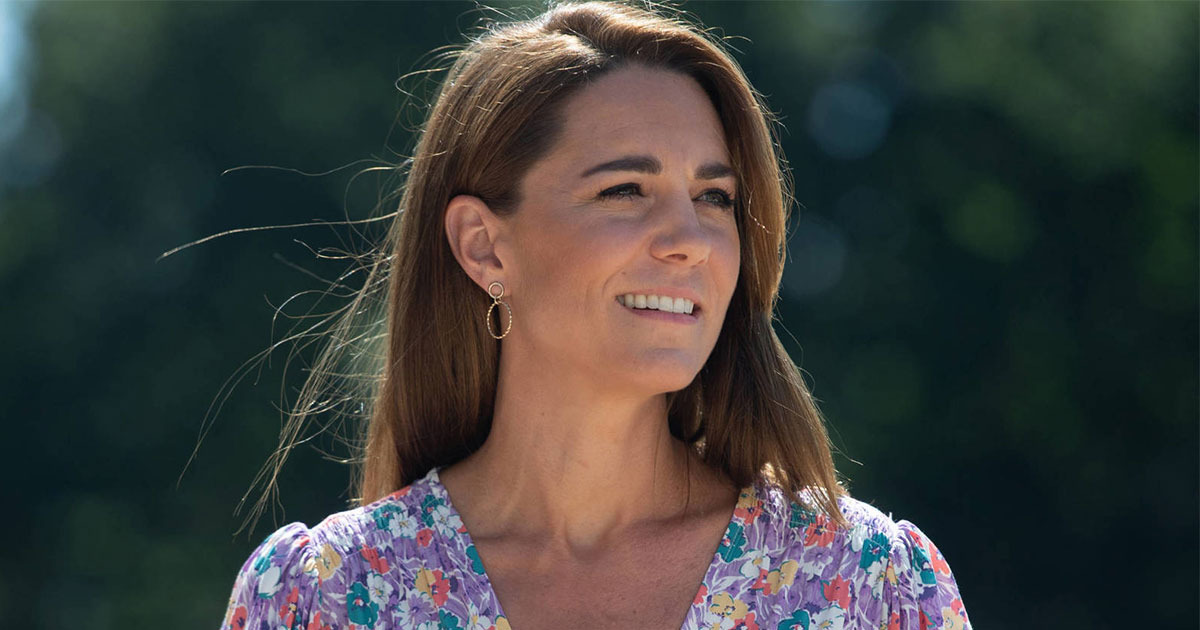 Catalina de Cambridge conquistó con un refrescante look de verano en el que destacó su mascarilla 'made in Spain'.
