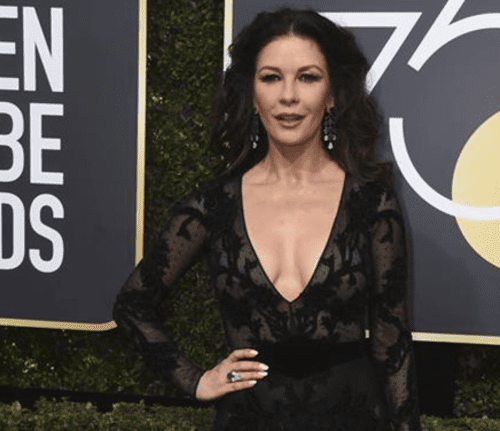 Globos de Oro 2018: Catherine Zeta Jones y la transparencia que cautivó la 'red carpet' [FOTO]